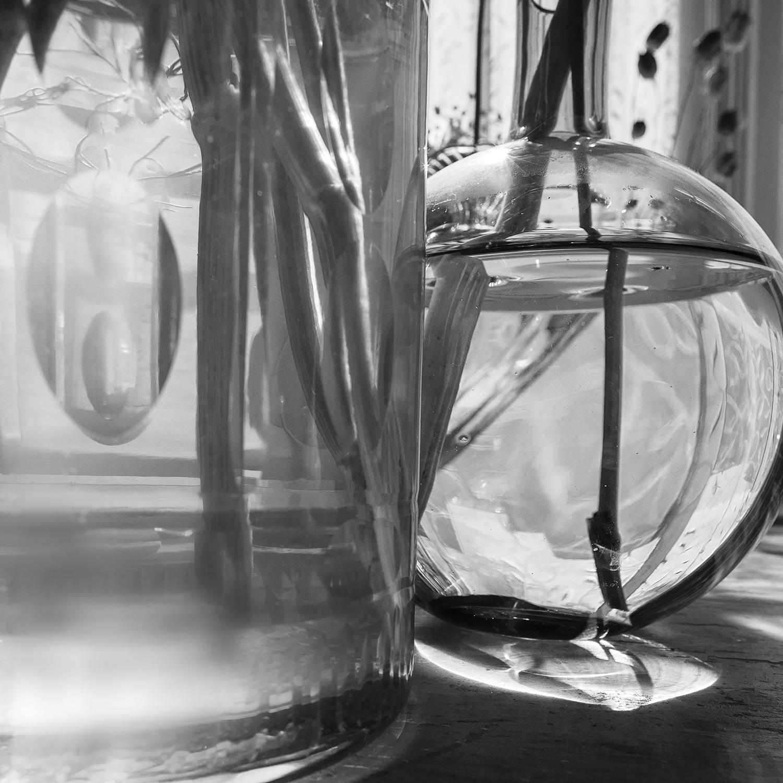 © Anna Lu Lundholm Ur serien: Inside, the truth 1–7, 2019. No 2 Bildmått: 29 x 29 cm Montering: Träram med passepartout och artglas: 40 x 40 cm Arkivbeständig pigment print  Upplaga: 10 + 2 AP   Signerad: Ja   Pris: SEK 4 650 (oinramad bild SEK 3 500)