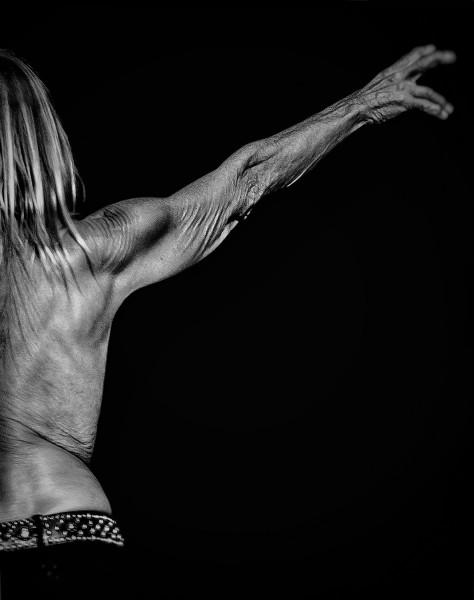 © Göran Broberg Titel: Iggy Pop, eg. James Newell Osterberg, Plats/Datum: Dalhalla 2019 Arkivbeständig pigmentbläckutskrift.' Bildmått: 30x42 cm / Inramad 40x50 cm. Upplaga: 15 Signerad Pris: SEK 4 800