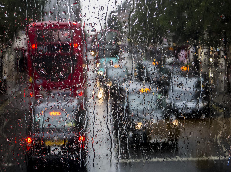© Rolf Adlercreutz Plats/Datum: Oxford Street London 2017  Bildmått: 30x40 cm Teknik: Arkivbeständig pigmentbläckutskrift Montering: Träram med passepartout 28x38 cm  Upplaga: 20 Signerad: Ja Pris: SEK 3900