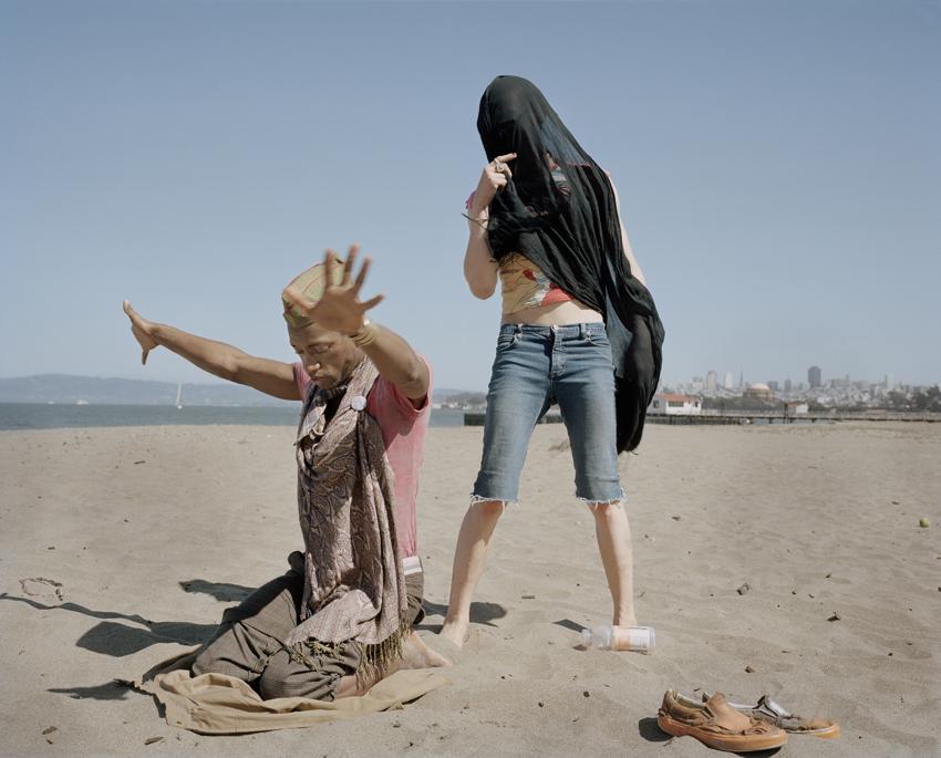 """© Hannah Modigh Titel: Ur serien """"Sunday mornin´comin´down"""" Plats/Datum: San Fransisco, 2009 Bildmått: 49 x 39 cm Teknik: Arkivbeständig pigmentbläckutskrift Montering: Säljs oinramad Upplaga: 6 + 2 AP  Signerad: Ja Pris: 9 000 SEK"""