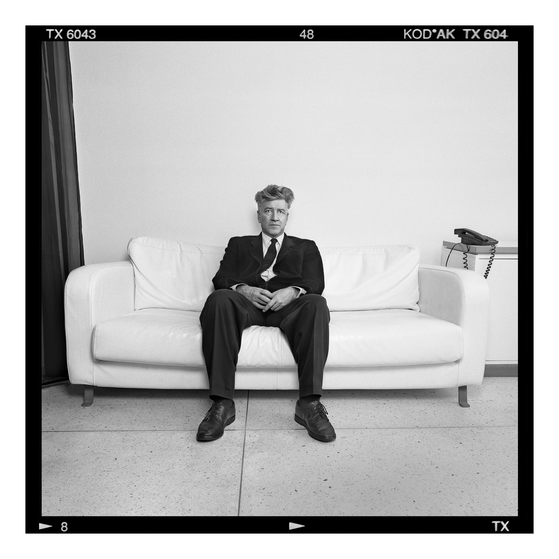 © Johan Bergmark Titel: David Lynch Plats/Datum: Stockholm,Hotel Lydmar  2003 BildmŒtt: 100 x 100 cm Teknik: ArkivbestŠndig pigmentblŠckutskrift  Montering: Säljs oinramad Upplaga 19  Signerad: Ja  Pris: SEK 30 000