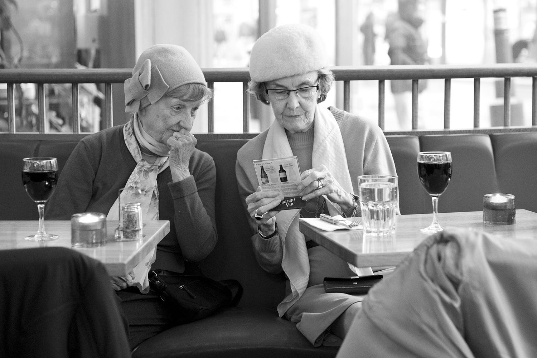 © Malin Jochumsen  Titel: Gammal vänskap  Plats/Datum: Stockholm 2012 Bildmått: 30x45 cm  Teknik: Arkivbeständig pigmentbläckutskrift, akvarell papper Montering: Träram 40x55cm Upplaga: 10+2 APSignerad: JaPris: SEK 6500
