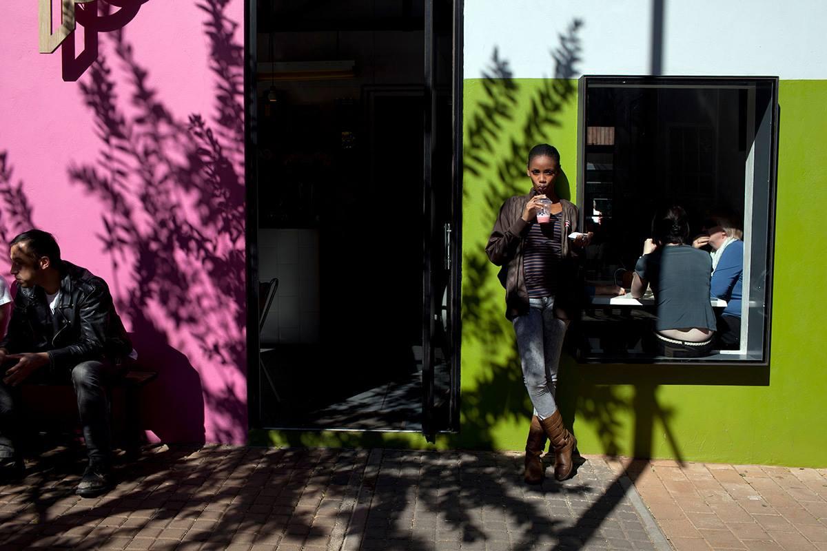 © Per-Anders Pettersson  Plats/Datum: Braamfontein Johannesburg, SA, 2012 Teknik: Arkivbeständig pigmentbläckutskrift Bildmått: 60x90 cm  Upplaga: 9 + 2 AP  Signerad: Ja  Pris: SEK 15 000 (avser oinramad bild)