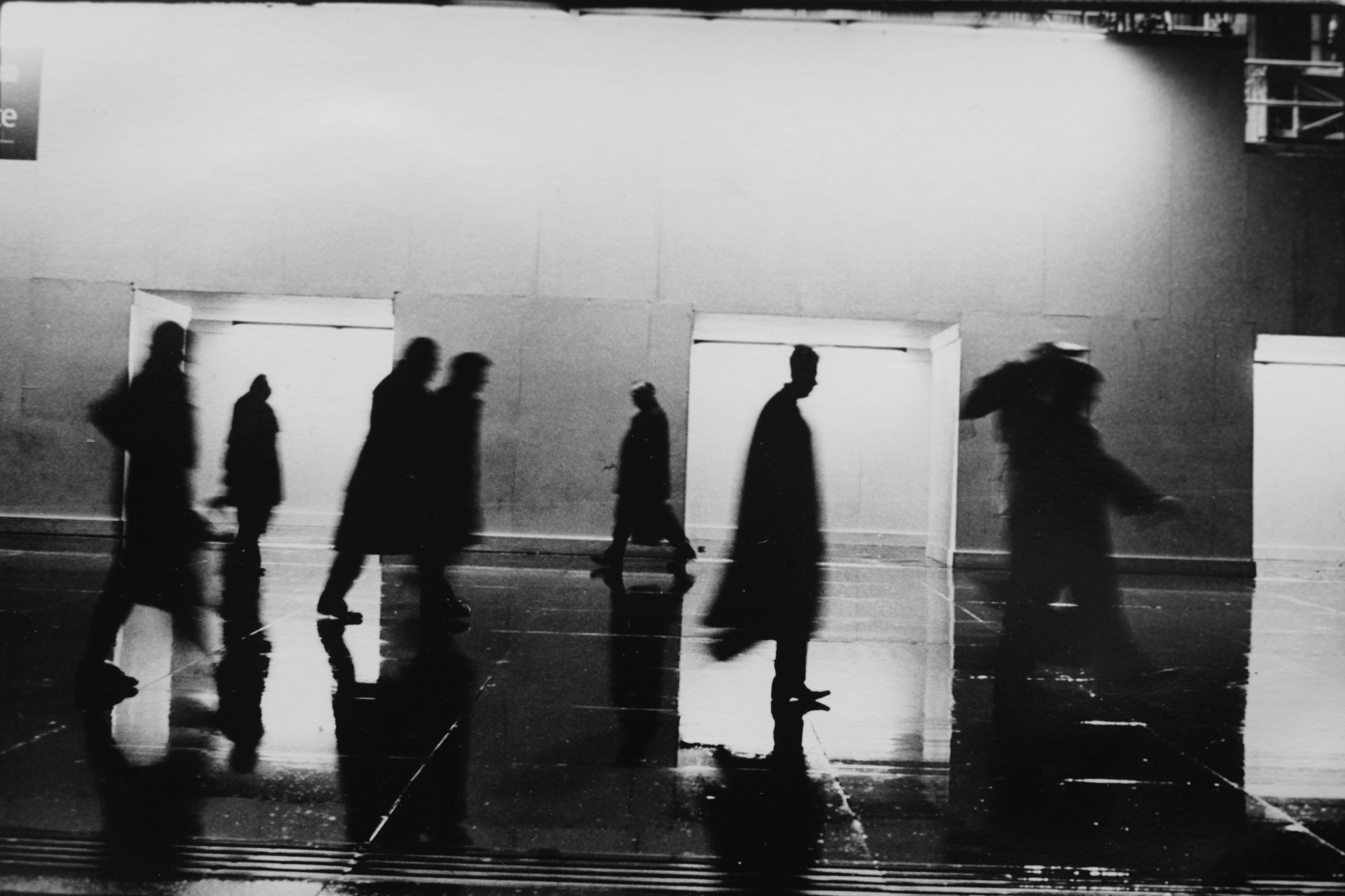 © Joakim Kocjancic   Titel: Trafalgar Square, London, 2005. Från serien: Europea. Bildmått: 25,5x38 cm Teknik: silver gelatin fotografi, 2018. Upplaga: 6 + 1 AP  Signerad: Ja.  Pris: SEK 5.500