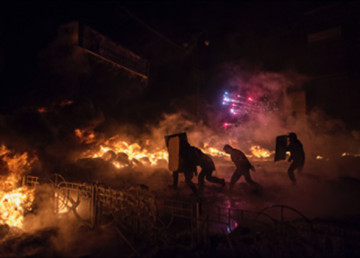 © Christoffer Hjalmarsson Demonstration i Ukrainas huvudstad Kiev. Nya bränder på torget Grushevskogo.