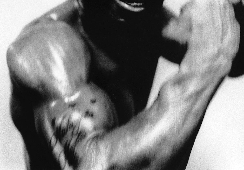 © Ulf Isacson Plats/år: Brooklyn NY, 1993 Bildmått: 14 X 20 cm   Teknik: Arkivbeständig pigmentbläckutskrift Träram med passepartout 40x50 cm Upplaga 20 x 2AP   Signerad: Ja   Pris: SEK 3800    BIldmått: 28 x 40 cm/inramad 50x70 cm Pris SEK 5500