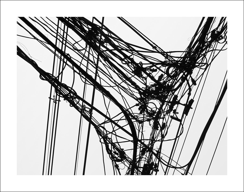 © Hans Malm Titel: Electric City #6 Plats/Datum: Bangkok, 2009  Bildmått: 80x60 cm (pappersstorlek 93x72 cm) Teknik: Arkivbeständig pigmentbläckutskrift  Montering: Träram, björk: 96x75 cm Upplaga: 1 + 1 AP  Signerad: Ja  Pris: SEK 8500