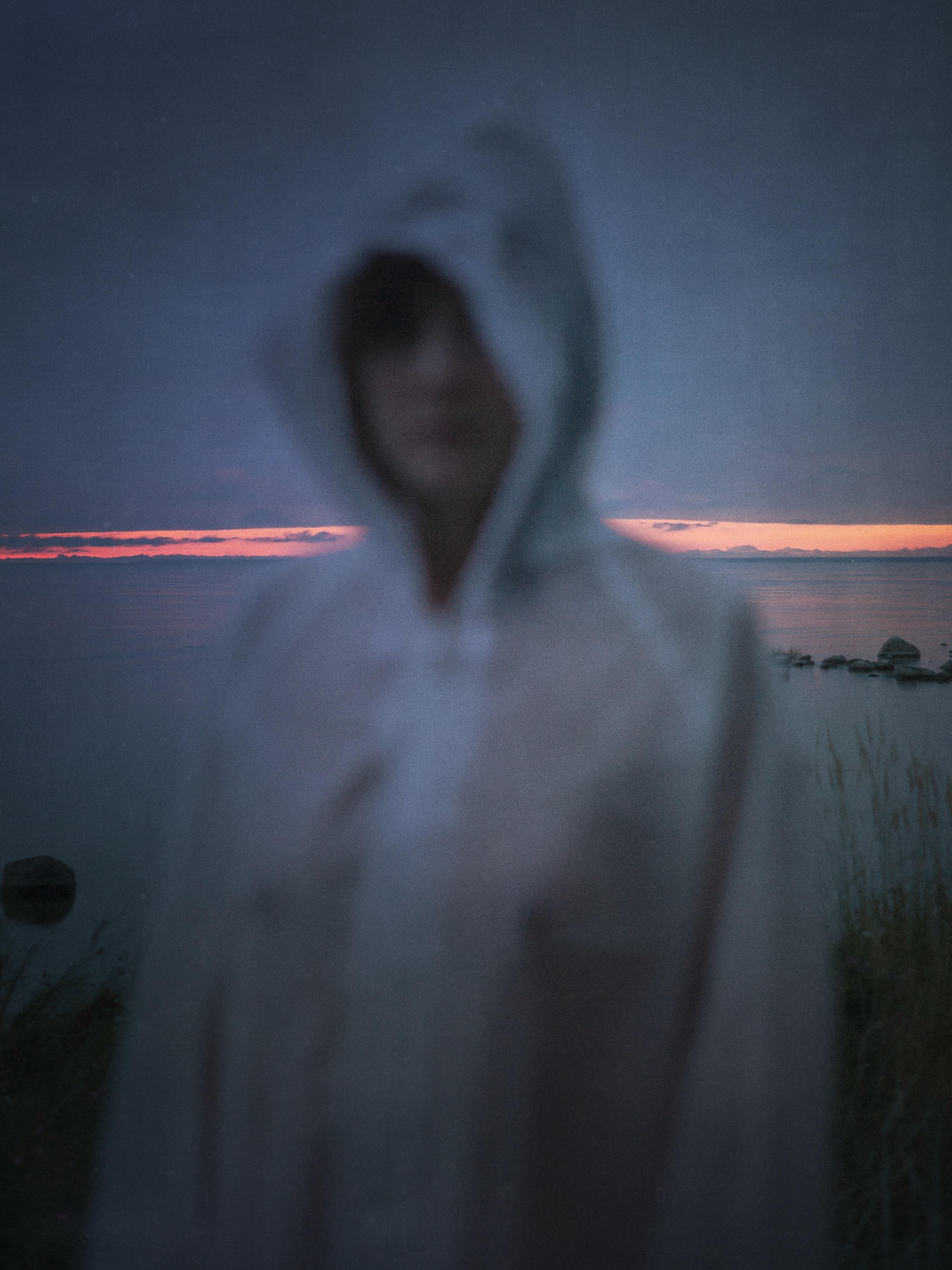 © Linda Nybom Titel: Sommar med Jea. Bildmått 30x40 cm / Inramad 40x50 cm. Teknik: Arkivbeständig pigmentbläckutskrift. Upplaga: 10. Signerad.  Pris: SEK 3 900