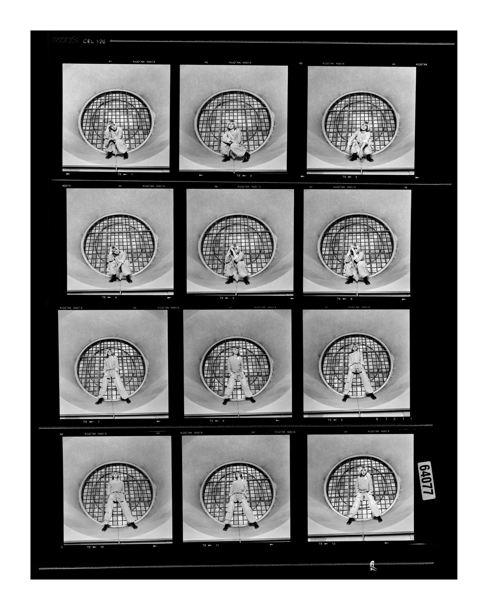 © Johan Bergmark.  Robyn - kontaktkarta.  Bildmått: 24x30 cm /Inramad 45x53 cm.  Arkivbeständig pigmentbläckutskrift.  Edition 19. Signerad.  Pris: SEK 5 000