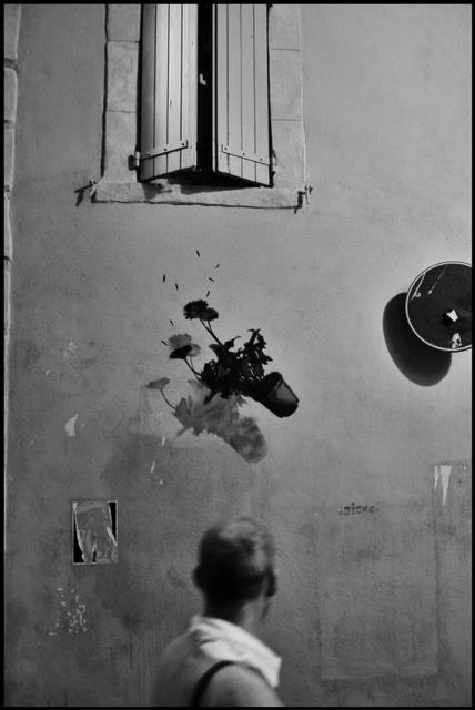 """© Knut Koivisto Titel: """"Fallet"""" Plats/Datum: Arles 2014 Bildmått: 29x43 cm Teknik: Arkivbeständig pigmentbläckutskrift Montering: Träram med passepartout 40x50 cm Upplaga: 10  Signerad: Ja   Pris: SEK 3 000"""