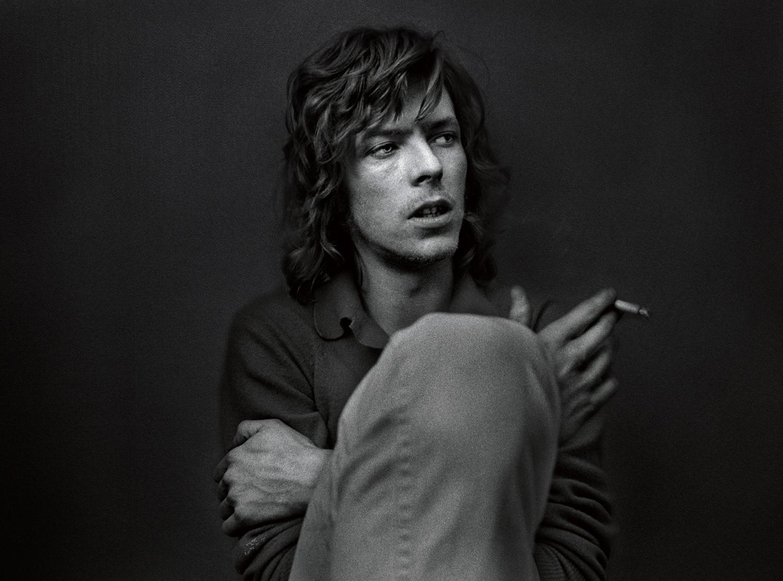 3. Rolf Adlercreutz. Bowie, London 1970. Utropspris: 20 000:-   Bildmått: 52×70 cm / Inramad 70×90 cm. Arkivbeständig pigmentbläckutskrift. Edition 13/20. Signerad.