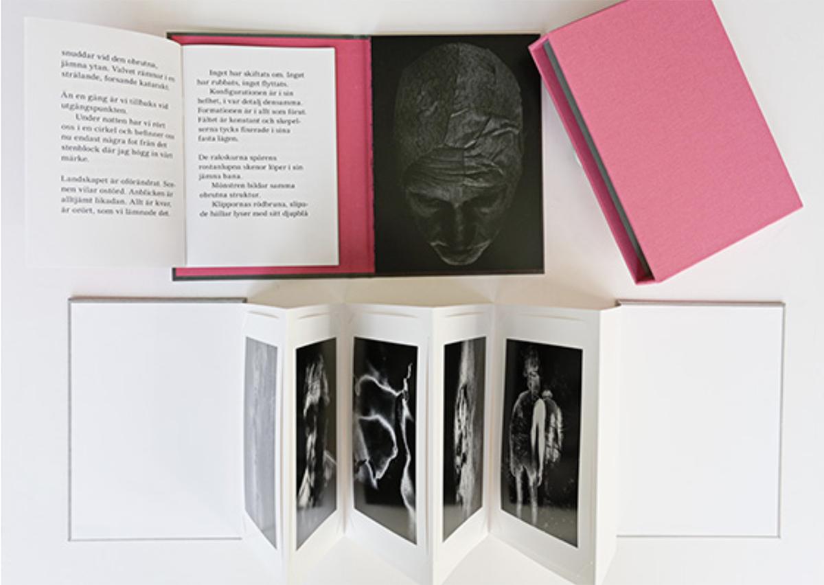 "83. Leif Sandberg.  Bibliofilutgåva/ Collector's Edition.  ""Beyond the Mirror"" . Utropspris: 2 500:- Bok i ""slipcase"" med fem 12x17 cm signerade inkjet prints.  Edition 15 + 3 AP"