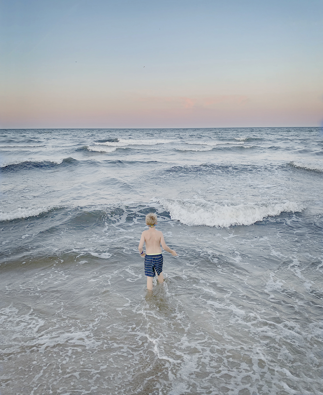 9. Anna Clarén. The Ocean, 2019.  Utropspris: 8 000:- Bildmått: 20×24 cm / Inramad 40×50 cm. Arkivbeständig pigmentbläckutskrift. Edition 1/10. Signerad.